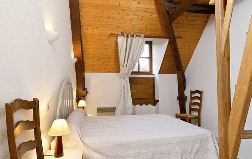 Location de vacances - Gîte à Loubressac - Chambre avec mezzanine