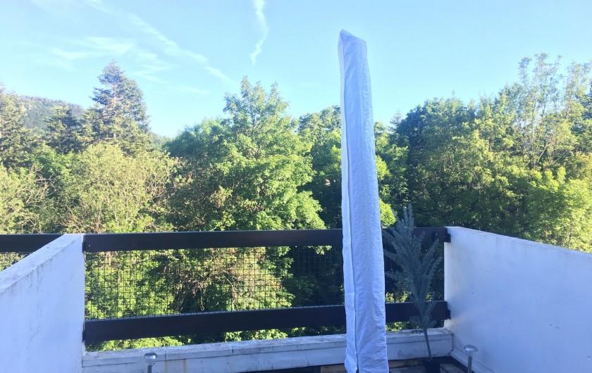 Location de vacances - Studio à Murol - Terrasse
