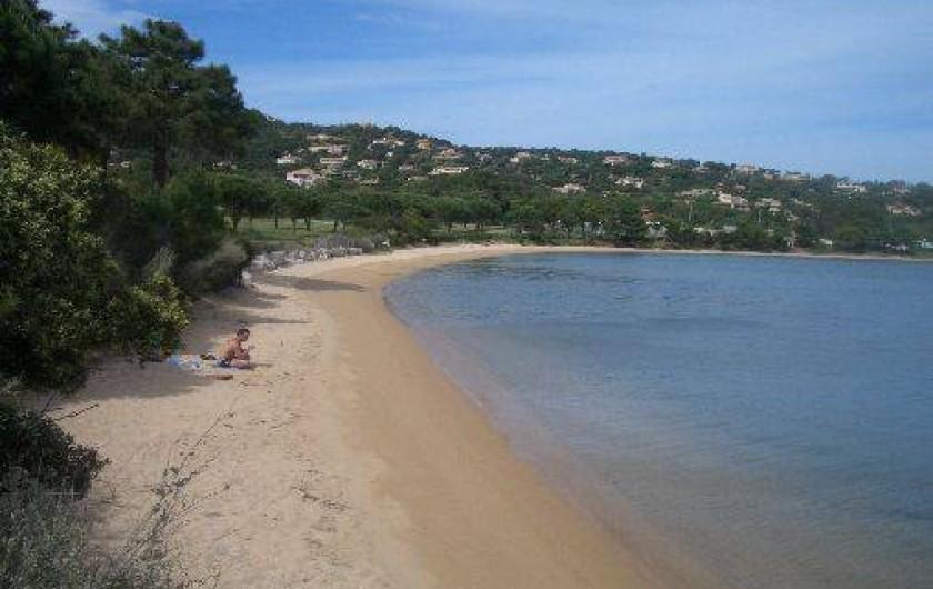 Location de vacances - Studio à Porto-Vecchio - PLAGE PRINCIPALE ET ACCES CENTRE DE SPORT