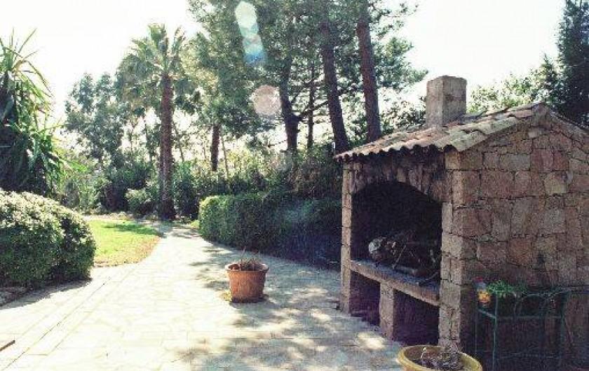 Location de vacances - Studio à Porto-Vecchio - BARBECUE