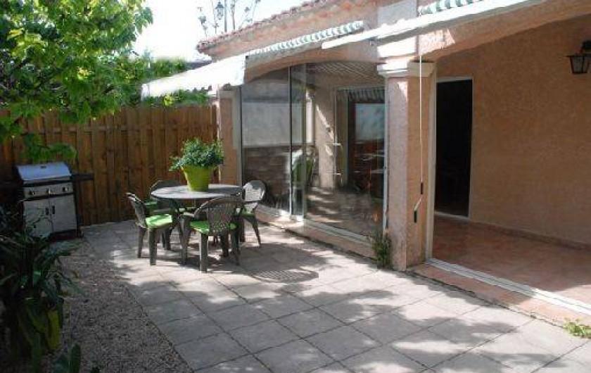 Location de vacances - Villa à Le Puy-Sainte-Réparade - Terrasse exterieure