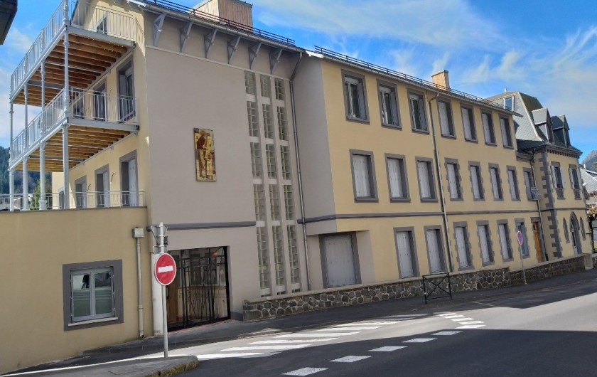 Location de vacances - Appartement à Le Mont-Dore - Résidence Saint Joseph Grand standing Avenue des Belges Ancienne école privée