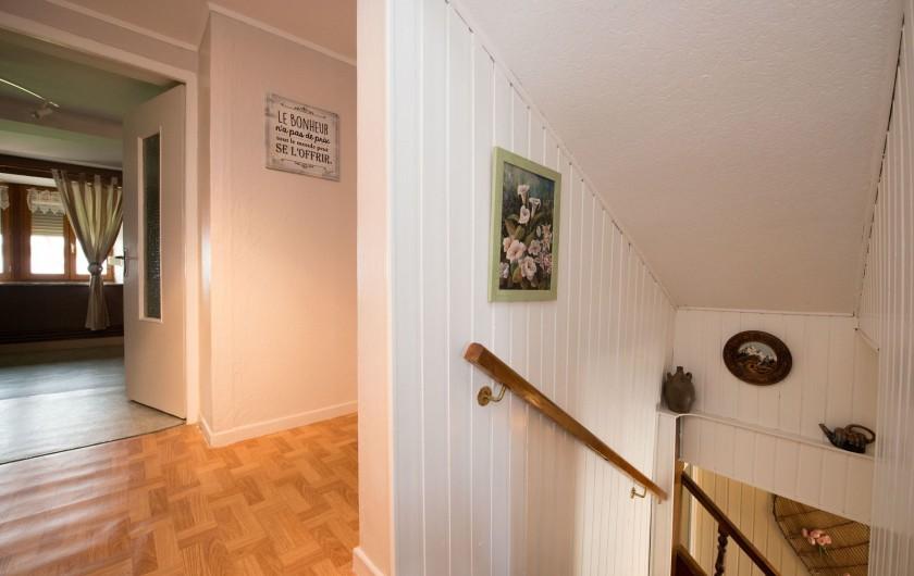Location de vacances - Gîte à Girondelle - palier des chambres