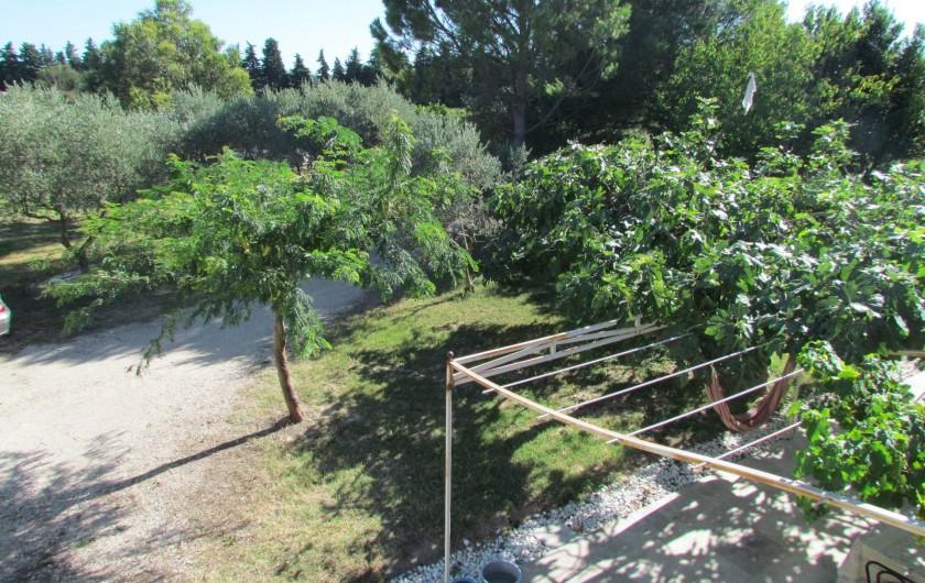 Location de vacances - Appartement à Sarrians - VUE TERRASSE