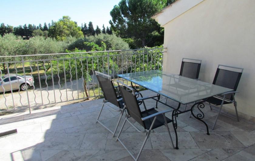 Location de vacances - Appartement à Sarrians - TERRASSE