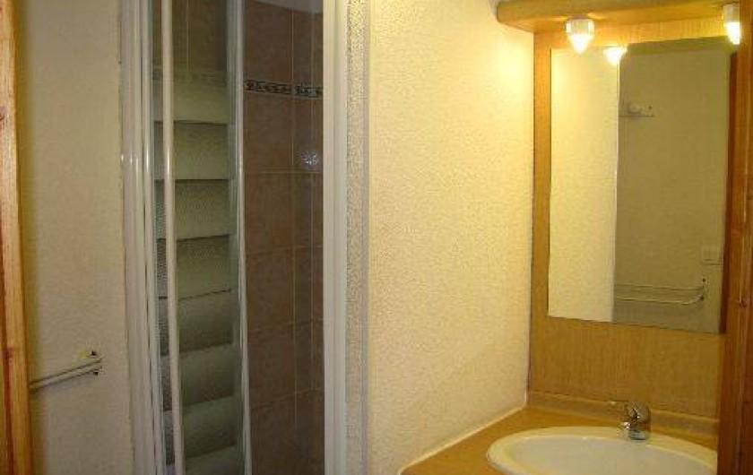 Location de vacances - Appartement à Les Deux Alpes - cabinet de toilette avec douche