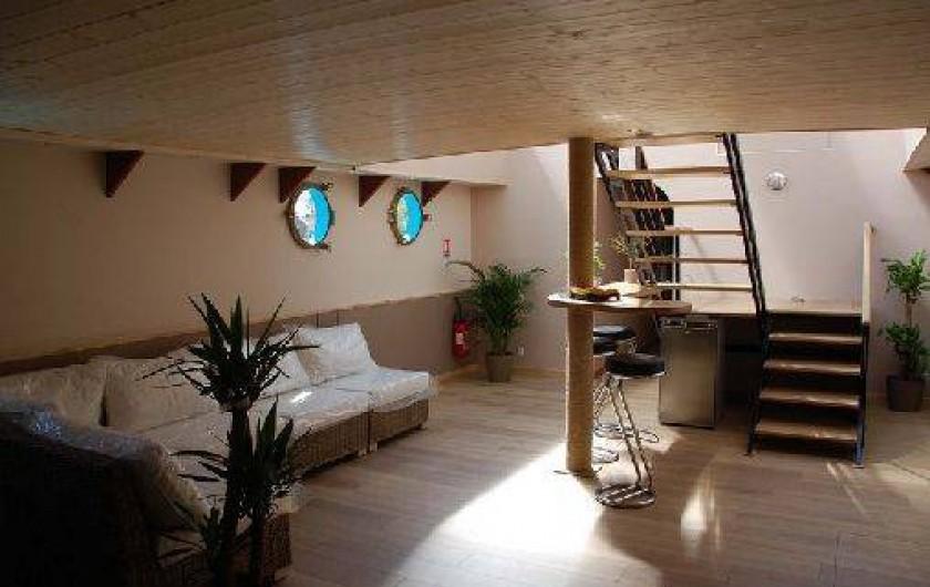 p niche le magnolia maconge en c te d 39 or bourgogne avec jacuzzi france. Black Bedroom Furniture Sets. Home Design Ideas