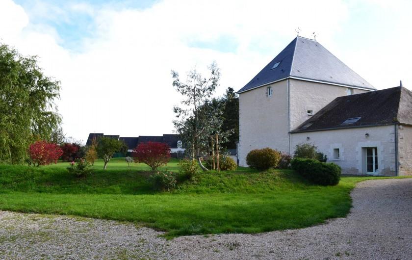 Location de vacances - Maison - Villa à Le Liège - l'arrivée par le côté parking