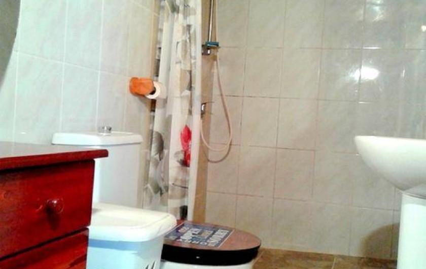 Location de vacances - Gîte à Saint-Paul - salle de bain maison T2