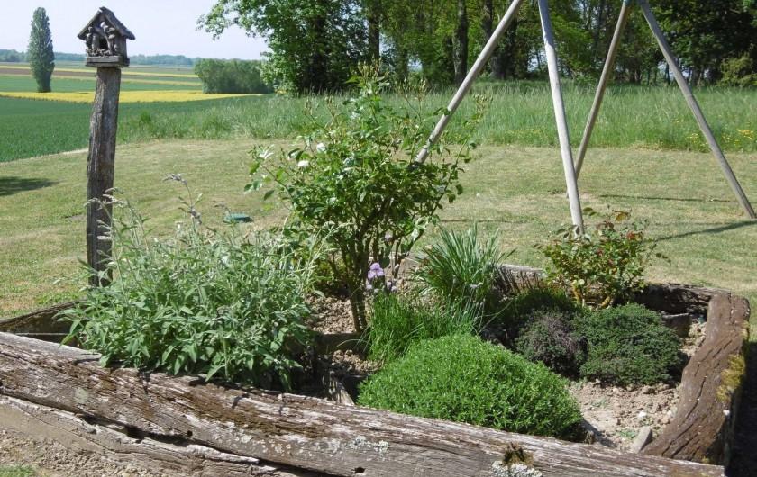 Location de vacances - Gîte à Pourlans - jardin aromatique