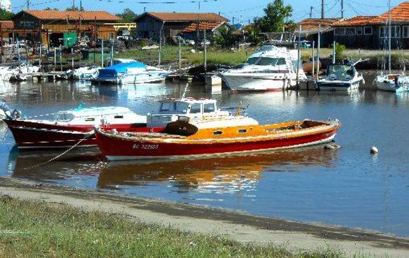 Location de vacances - Chambre d'hôtes à Gujan-Mestras - La pinasse, bateau traditionnel des ports du bassin