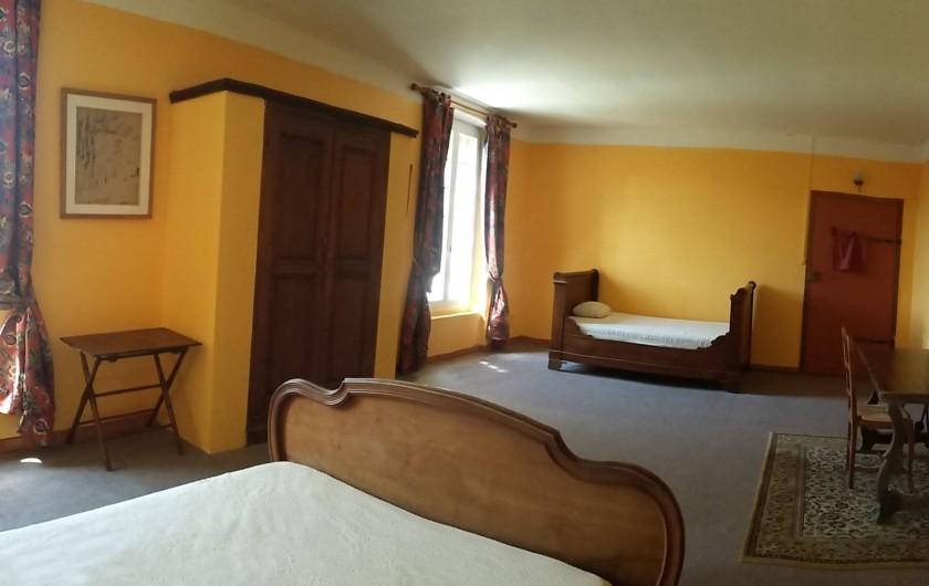 Location de vacances - Mas à L'Albère - la chambre jaune