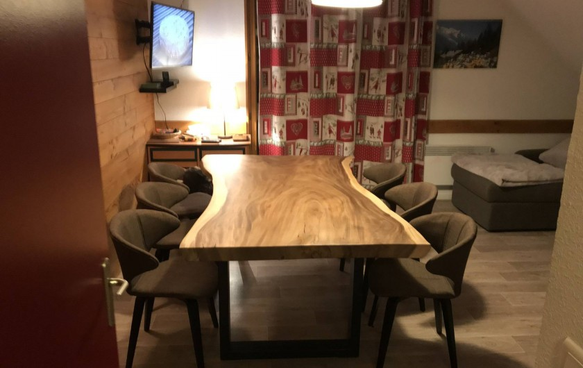 Location de vacances - Appartement à Saint-Sorlin-d'Arves - Table séjour