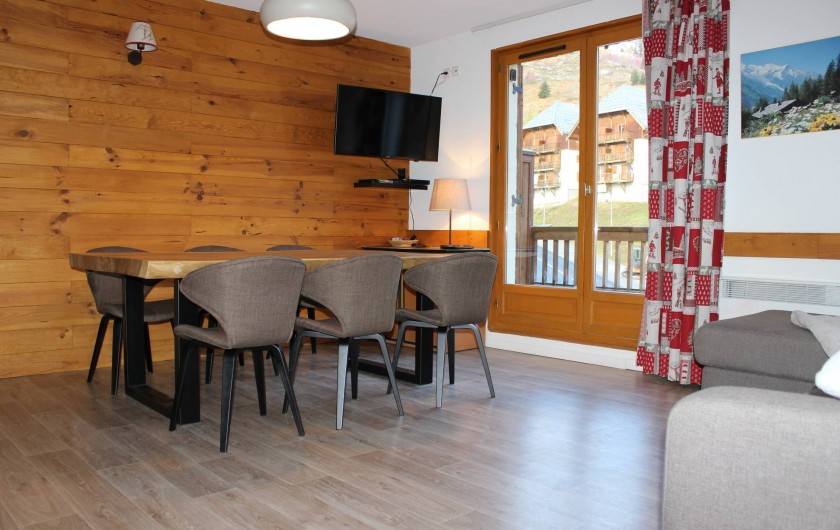 Location de vacances - Appartement à Saint-Sorlin-d'Arves - Grand séjour