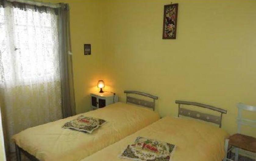 """Location de vacances - Maison - Villa à Tournan - la chambre """"Jonquilles"""""""