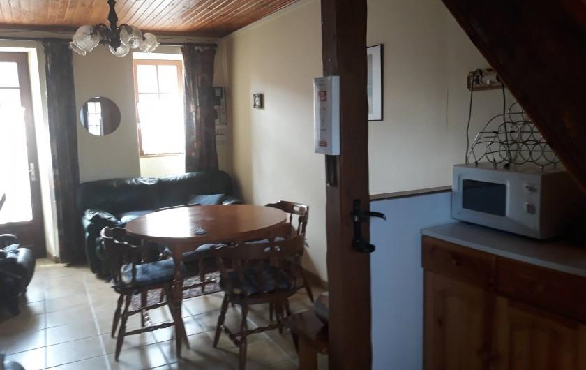 Location de vacances - Appartement à Sainte-Marie-du-Mont - salle de vie