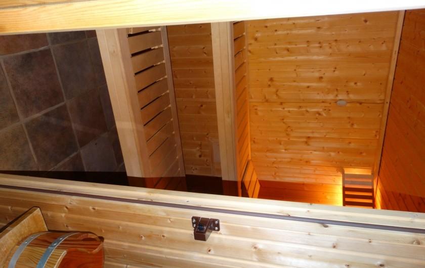 Location de vacances - Chalet à Chapelle-des-Bois - sauna