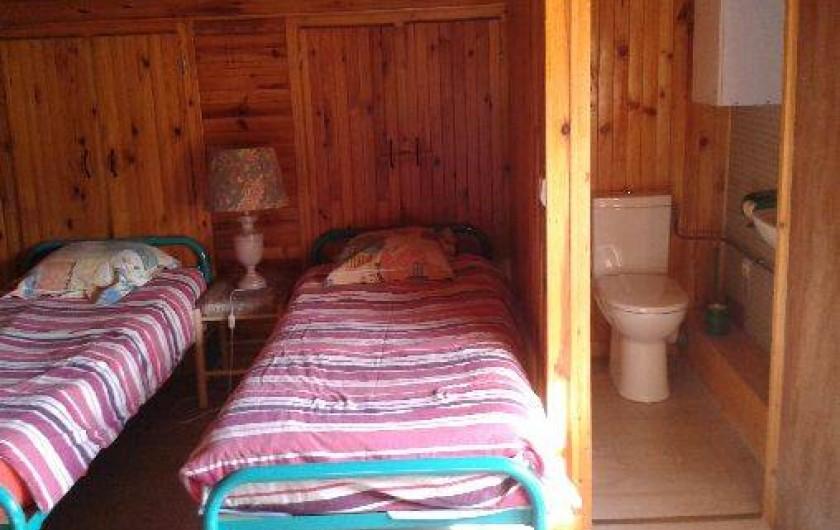 Location de vacances - Chalet à Alex - chambre 4 à l'étage : toilettes et lavabo