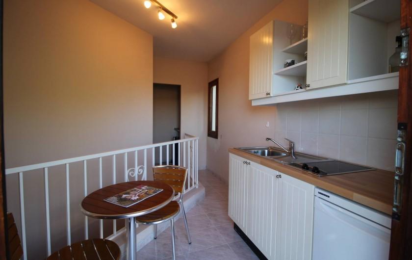 Location de vacances - Villa à Pau - Kichenette à coté de la terrasse au premier étage