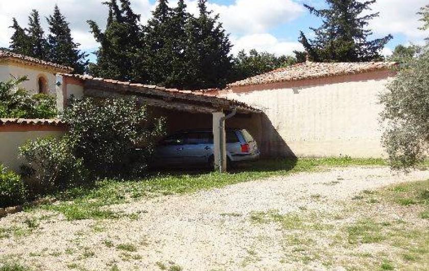 Location de vacances - Gîte à Vagnas - Abri pour 2 véhicules