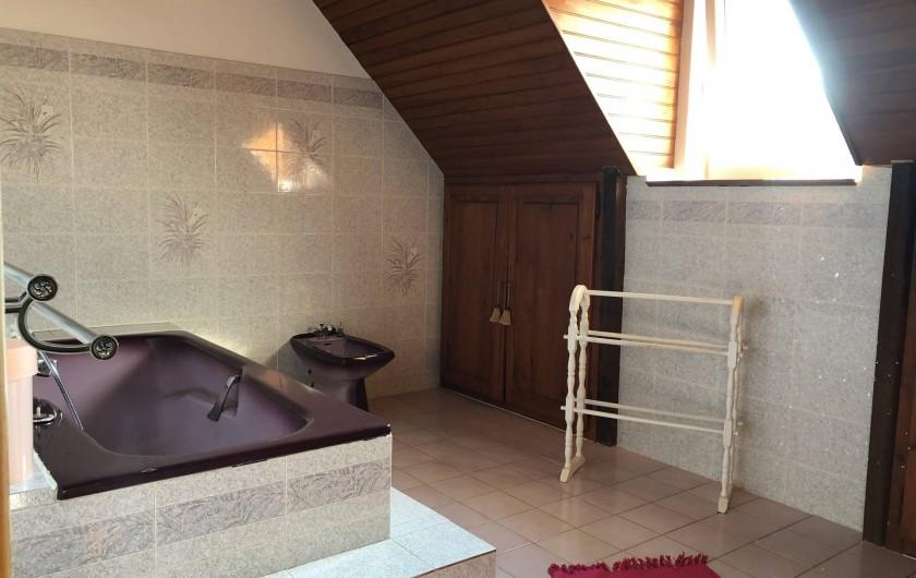 Location de vacances - Villa à Proissans - La salle de bain de l'étage