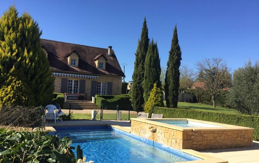Location de vacances - Villa à Proissans - La piscine avec le petit bassin