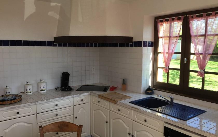 Location de vacances - Villa à Proissans - La cuisine équipée