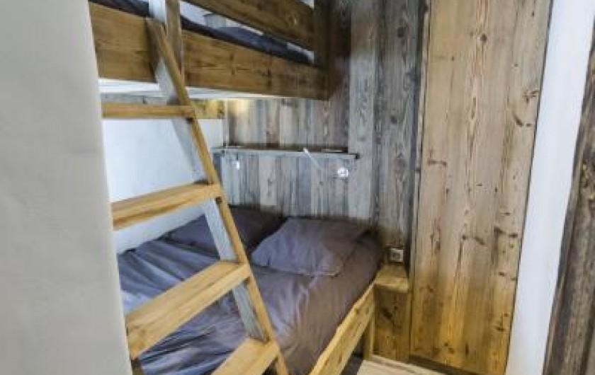 Location de vacances - Appartement à Val-d'Isère - Chambre vue d'ensemble