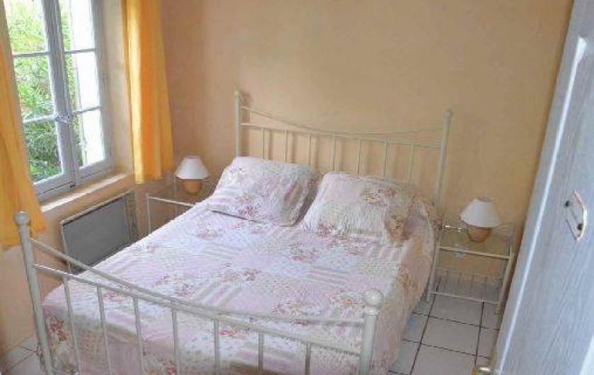 Location de vacances - Mas à L'Isle-sur-la-Sorgue - CHAMBRE 1 Lit 140X190