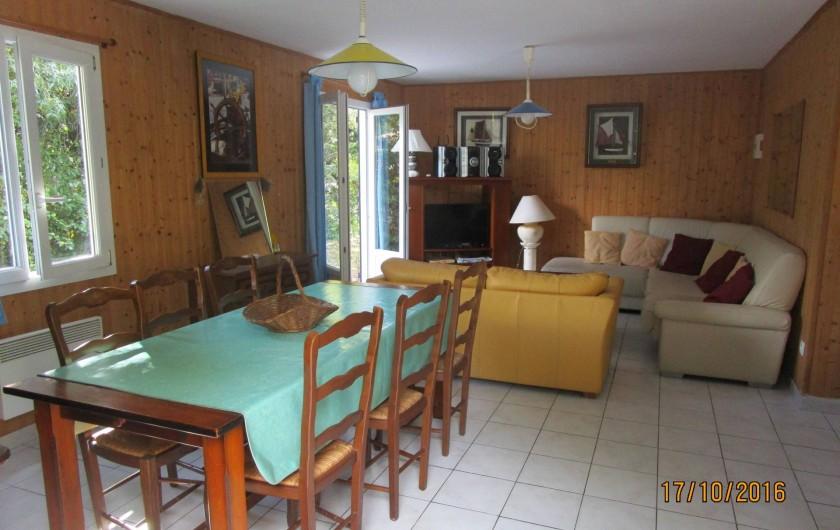 Location de vacances - Villa à La Cotinière - salle à manger/ salon