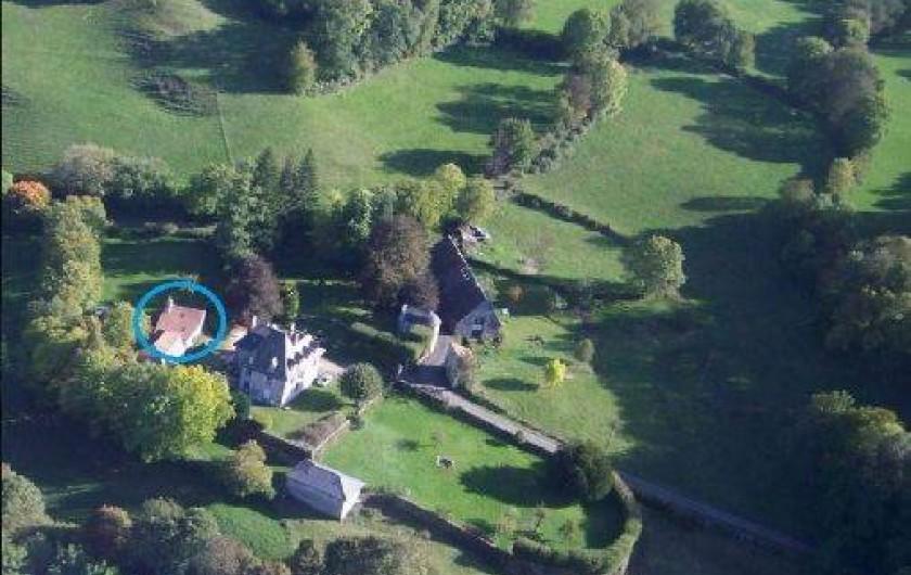 Location de vacances - Gîte à Aurillac - Vue d'Avion de la Propriété et du Parc