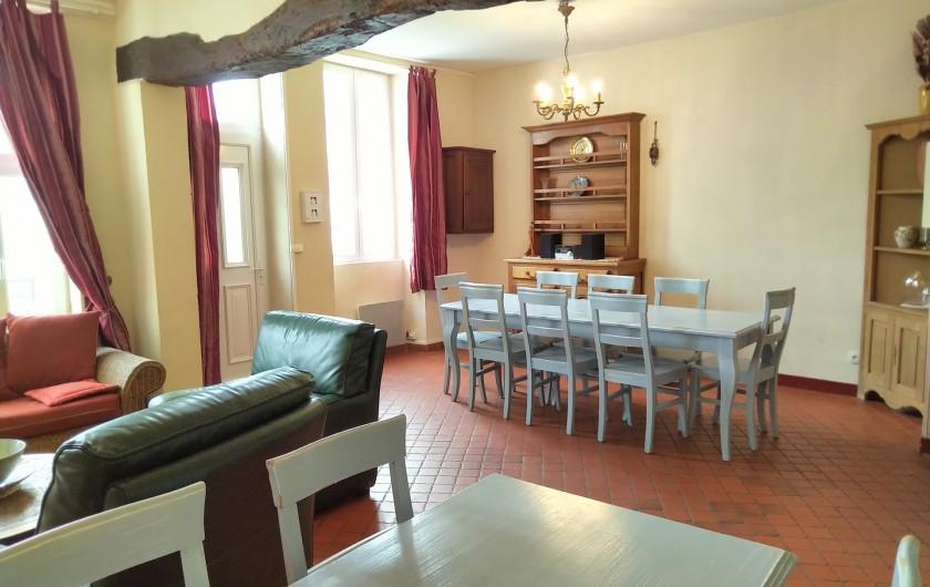 Location de vacances - Gîte à Sainte-Honorine-des-Pertes - Salon séjour du Gîte A