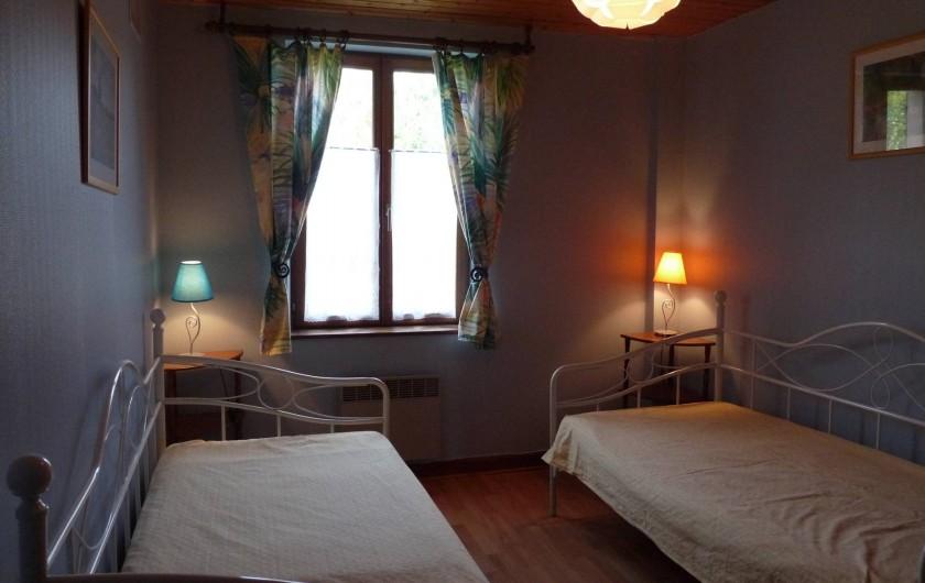 Location de vacances - Appartement à Ban-de-Laveline - chambre 2 lits une personne grand gite