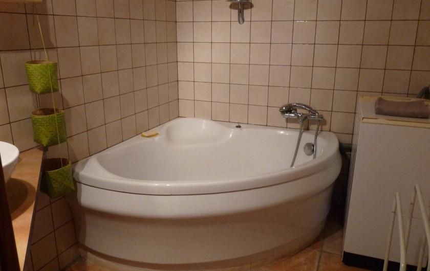 Location de vacances - Appartement à Ban-de-Laveline - baignoire moyen gite