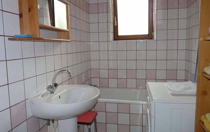 Location de vacances - Appartement à Ban-de-Laveline - salle de bains grand gite