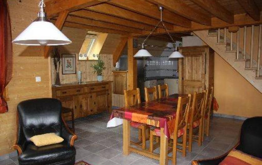Location de vacances - Chalet à Super Besse - Le séjour vue du coté salon