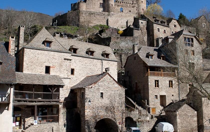 Location de vacances - Chalet à Rieupeyroux - Viollage médiéval de Belcastel