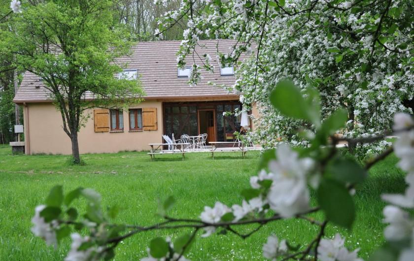 Location de vacances - Gîte à Outines - Le gite au printemps