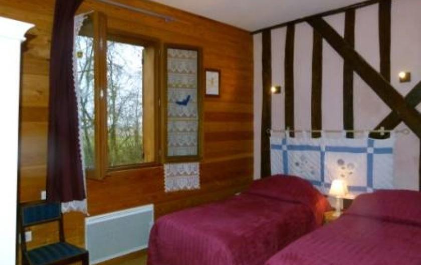 Location de vacances - Gîte à Outines - Chambre Le Renard Roux 2 lits jumeaux au 1er étage