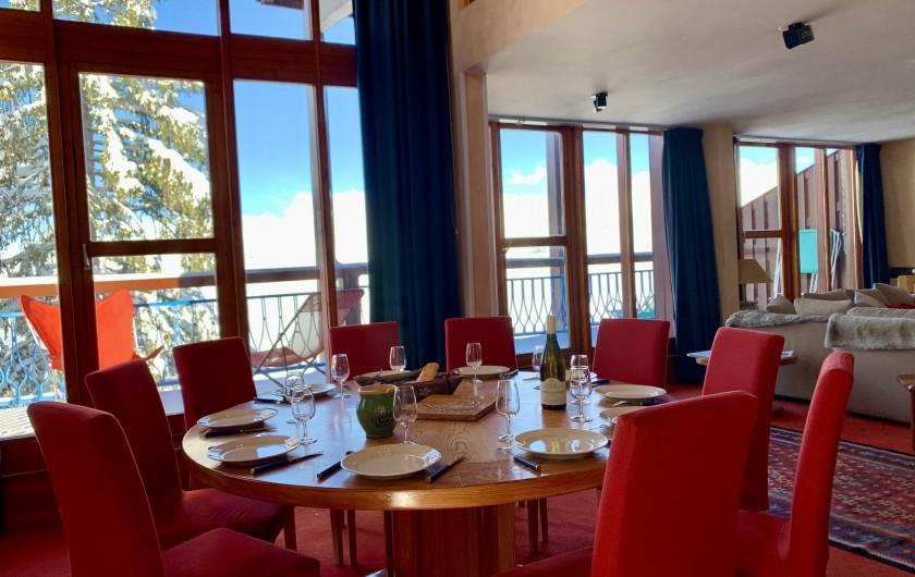 Location de vacances - Appartement à Les Arcs - Grande pièce à vivre avec accès terrasse sur toute la longueur.10m