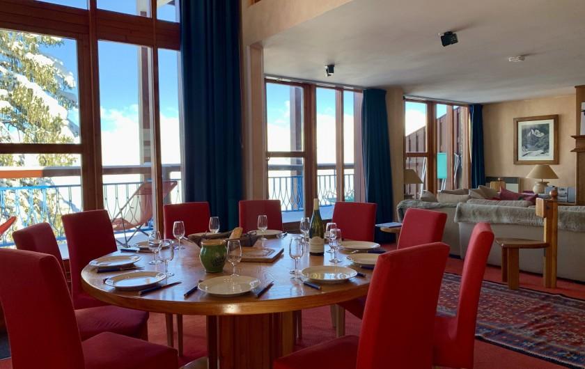 Location de vacances - Appartement à Les Arcs - Espace repas, 10 personnes, diamètre table 160!