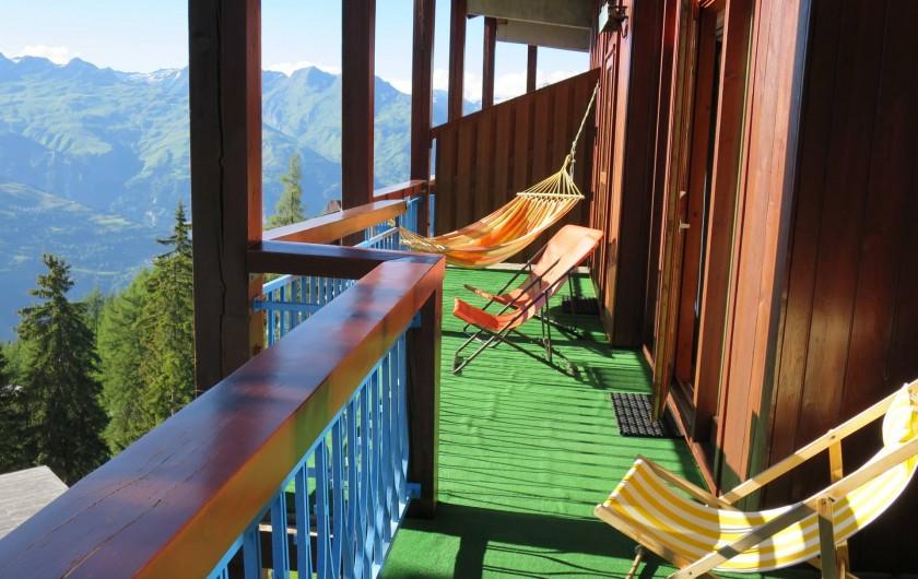 Location de vacances - Appartement à Les Arcs - Terrasse  S/O sur toute la longueur du r.d.c ! 10 m x 2 m
