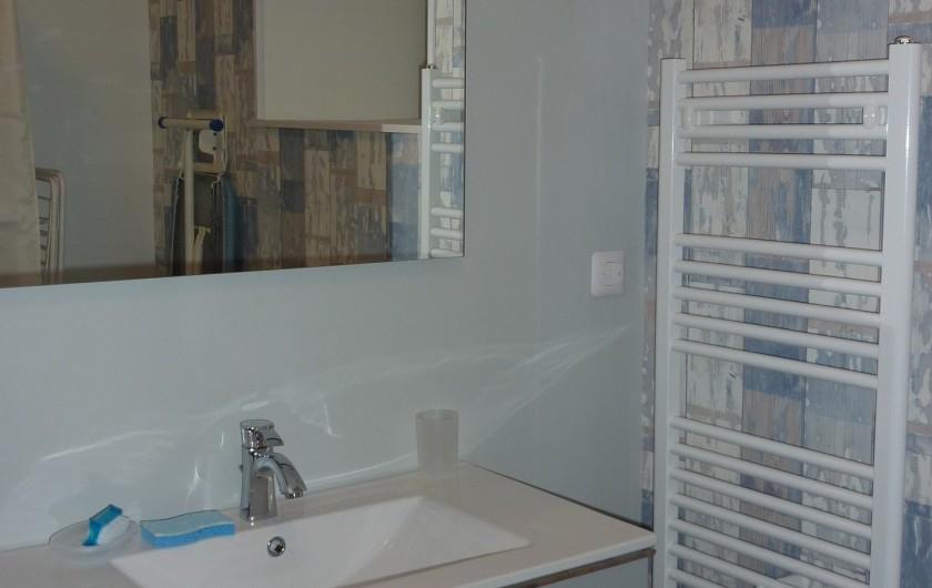 Location de vacances - Gîte à Teurthéville-Hague - Salle de bain