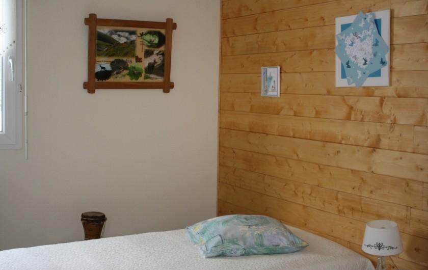 Location de vacances - Appartement à Séez - chambre : 2 lits de 90 cm + lit bébé à la demande