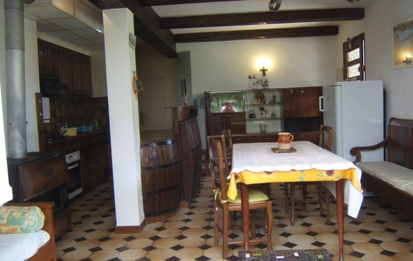 Location de vacances - Appartement à Sospel - Coin cuisine et salle à manger