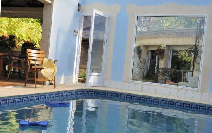 Location de vacances - Chambre d'hôtes à Marchais - piscine de saison