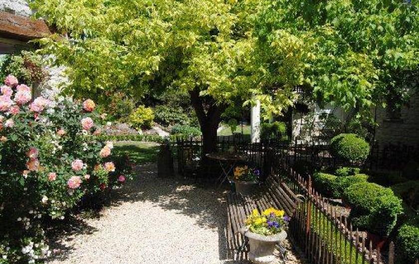 Location de vacances - Chambre d'hôtes à Marchais - accès jardin