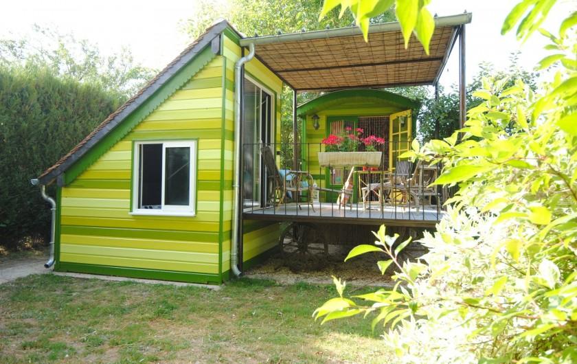 Location de vacances - Chambre d'hôtes à Marchais - Roulotte avec spa privatif