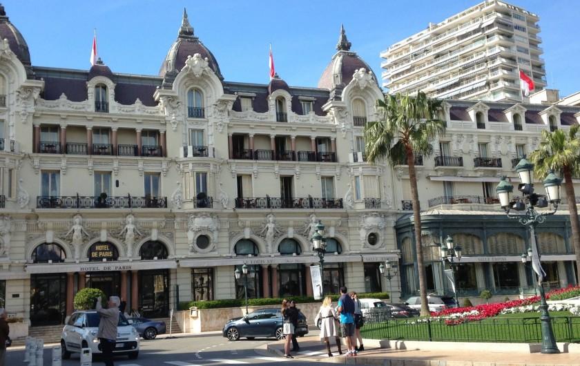Location de vacances - Appartement à Monaco-Ville - HOTEL DE PARIS à côté  du Casino de Monaco  15 Minutes à pied
