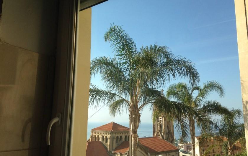 Location de vacances - Appartement à Monaco-Ville - la vue  vers Monaco ds l'appartement mezzanine de 38 M2  au 1er étage .